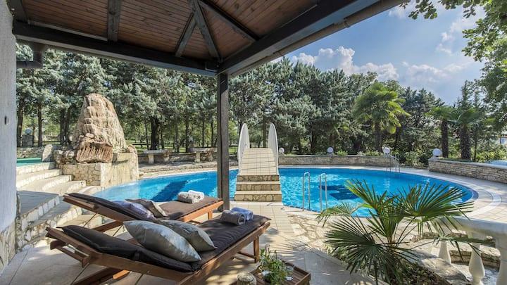 Pure luxury-5*Villa Hana-Istria-with TENNIS COURT