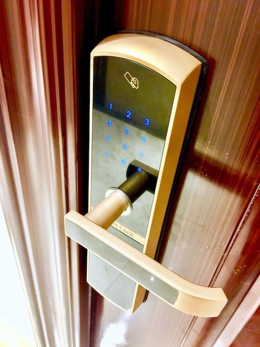 密码锁,预定完发送时效密码,方便快捷