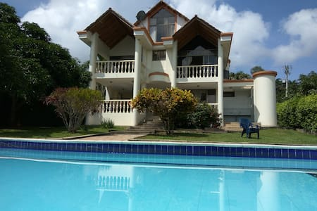 Espectacular Villa Campestre en Anapoima