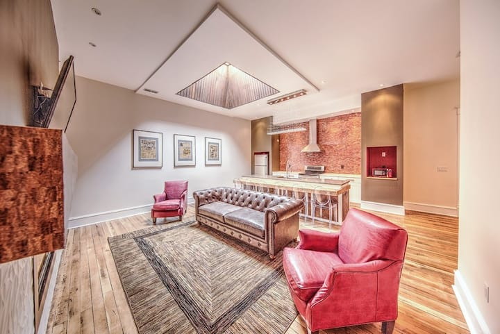 The Harkness Hotel - Ruby Suite