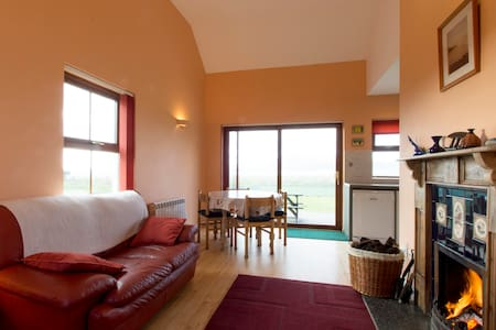 Minaun Cliff Cottages at the Sea - Achill  - Casa