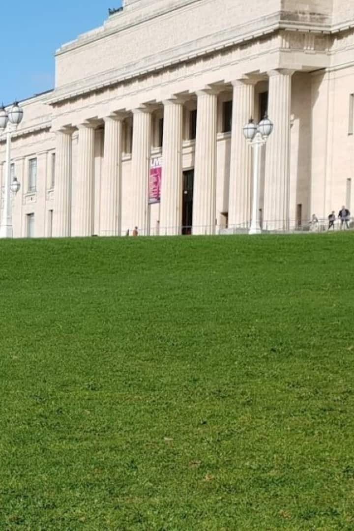 We meet at Auckland Museum