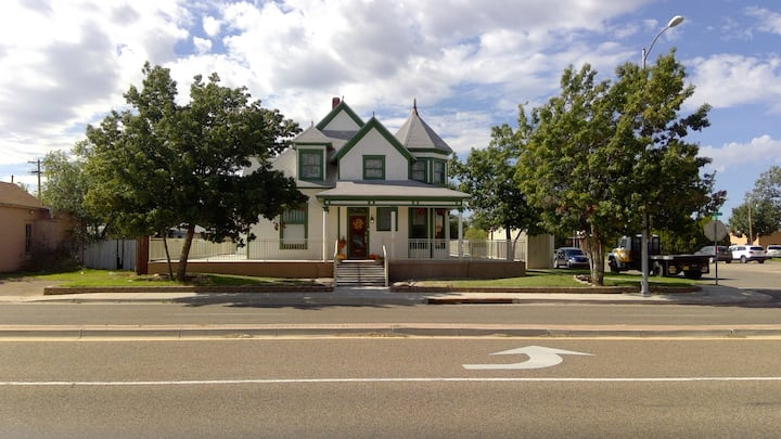 Tucumcari Doll House B&B