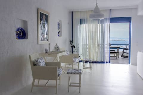 Luxurious villa with sea view at Amoni