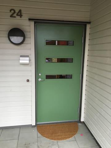 Ny fräsch 3a 15min från Gbg centrum - Mölnlycke - Apartment