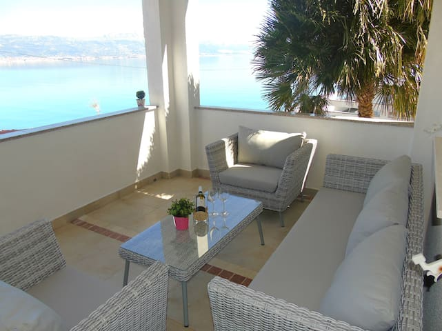 Terrace seating set