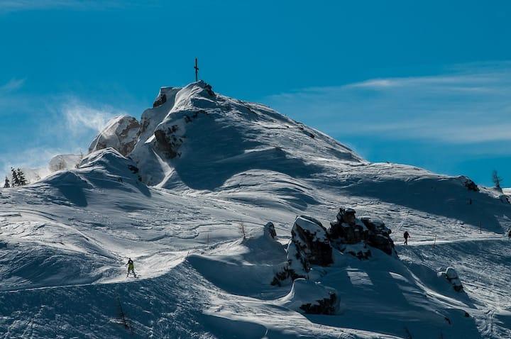 Enjoy the experience: ski, wellness, hiking, lakes
