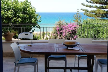 Enjoy our terrace looking at sea - Alcamo Marina - Casa