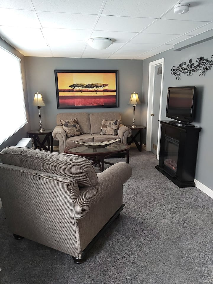 Private Apartment 10 minute walk from the Falls!