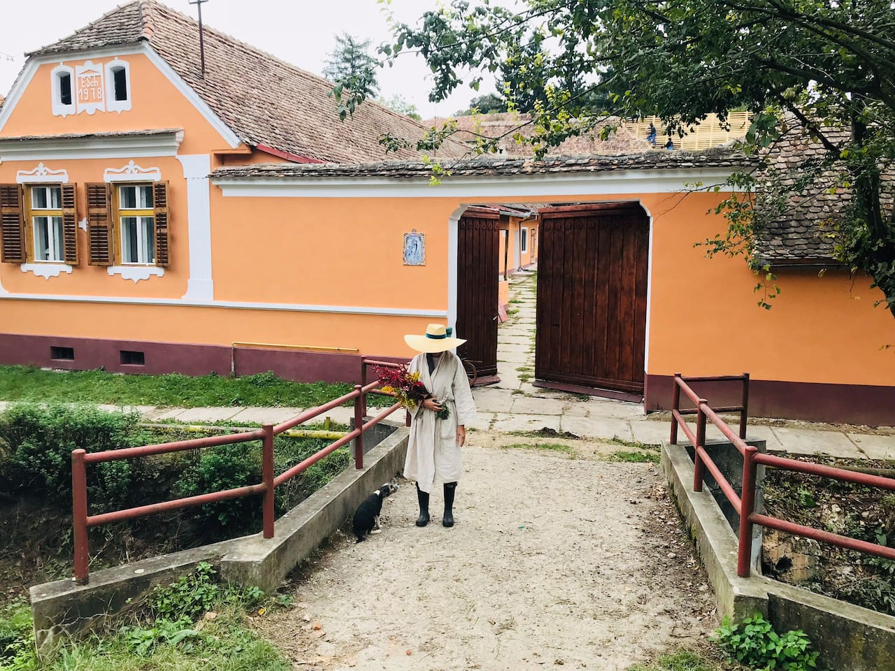 I find many beautiful things in Richiș start with beautiful : people,delicios local food & rafined wine But the magic is the nature that is surrounds RICHIS.God is very generous with us and we thank Him for that. Come and see it by your self .