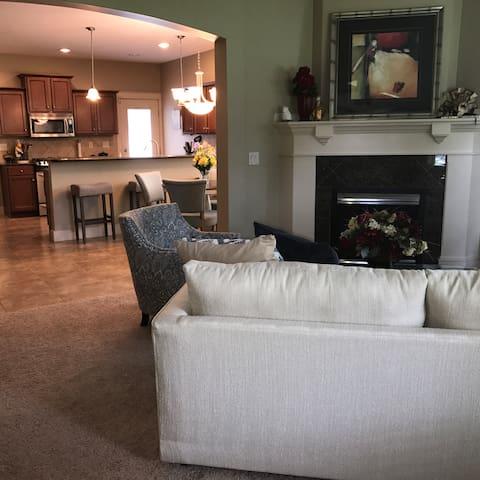 Formal livingroom, diningroom and kitchen