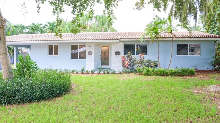 Relaxing home 15 min from Ft. lauderdale beach
