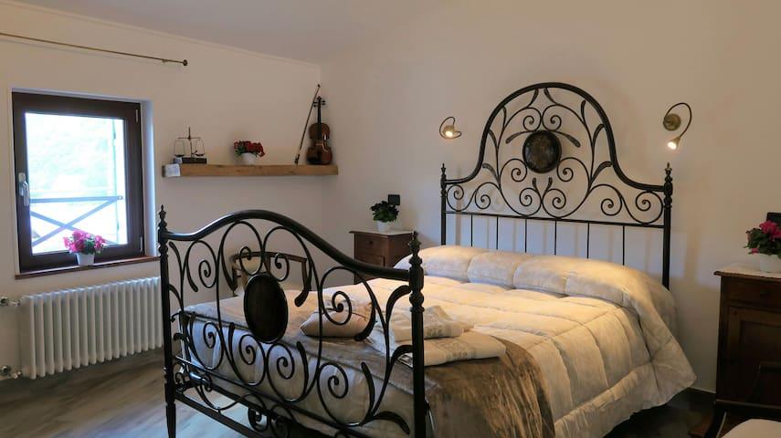 B&BDalù a queen bed to dream CITR 009029 BEB-0021