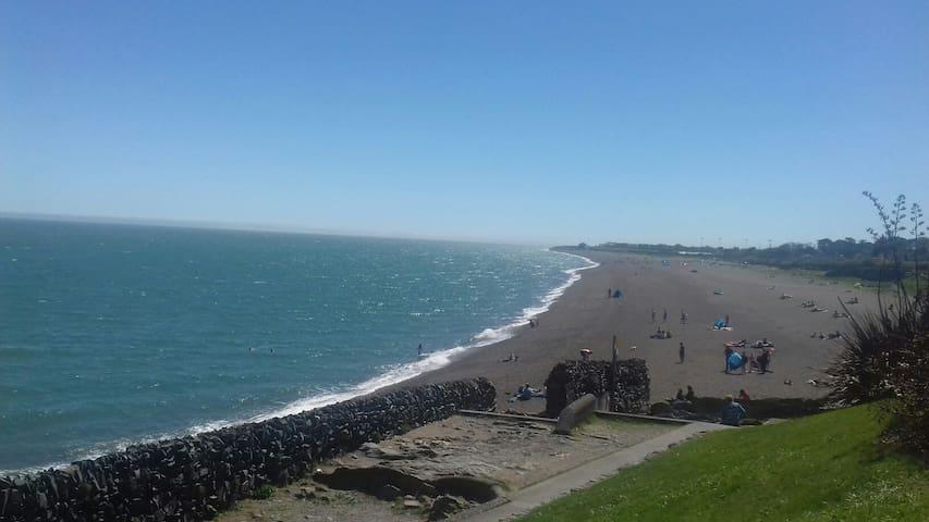 Body Of Man, 60s, Found On Kilcoole Beach By Gardai - uselesspenguin.co.uk
