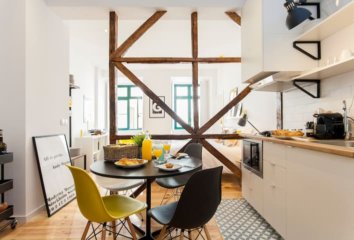 Modern New Studio in Heart of Chiado