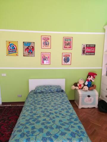 accogliente stanza con finestra - San Benedetto del Tronto - Wohnung
