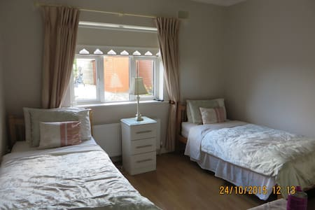 Twin Bedroom - Sallins