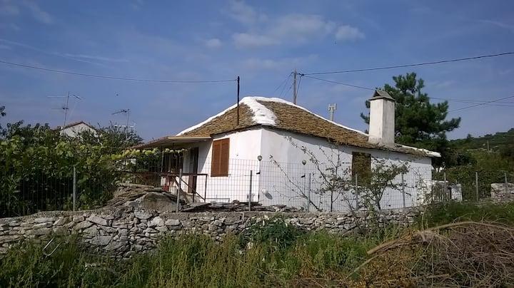 Χωριάτικο σπίτι με θέα, κήπο - μπαχτσέ