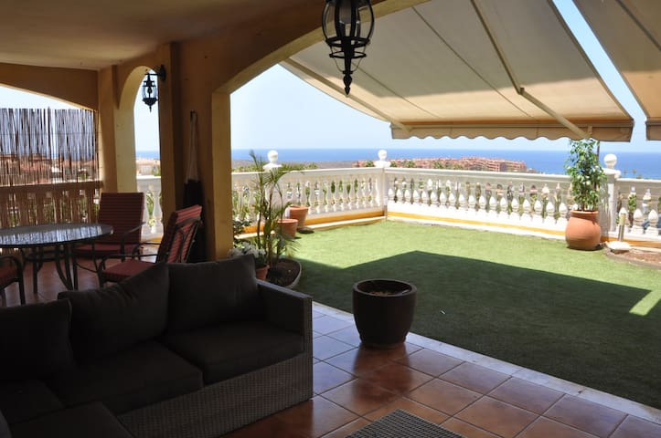 APARTMENT WITH AMAZING VIEWS El PALM MAR
