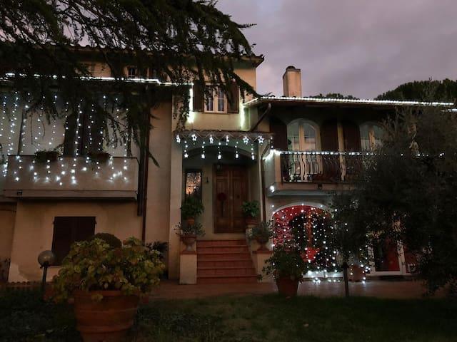 DA PIERO E PAOLA- Rooms and B&B  Arezzo