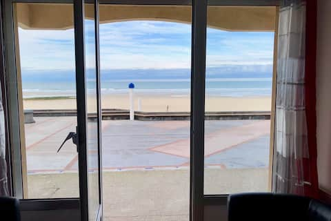 Apartamento en la planta baja con vistas al mar