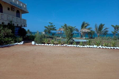 Sea View Hotel, Nilaveli, - Nilaveli - Bed & Breakfast