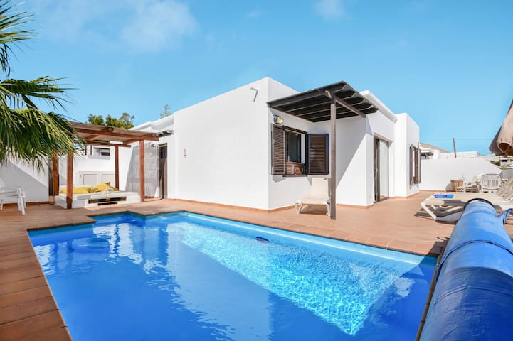 """Charming """"Villa Princesa ICO"""" with Wi-Fi, Garden, Terraces & Pool; Parking Available"""