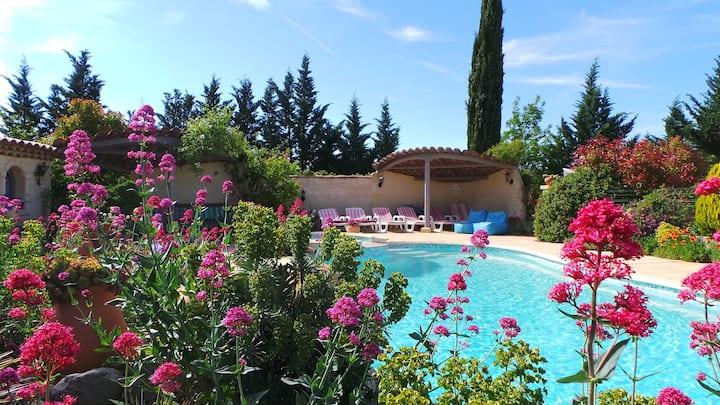 Provence/Luberon Villa piscine/jacuzzi 4 chambres