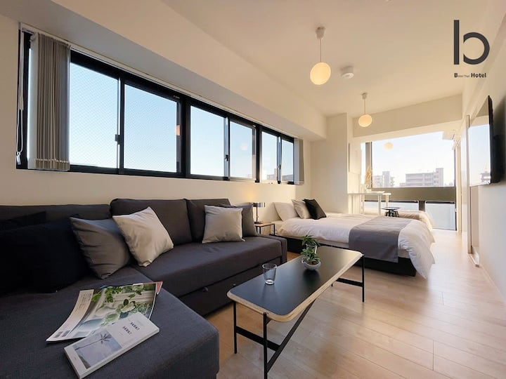 Modern 1 BR Apartment, Close to Peace Park, For 6 PPL