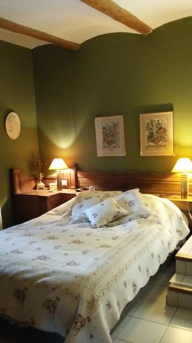 chambre avec sdb attenante et  lit 160