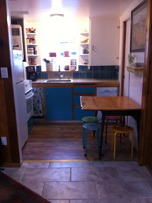 Kitchen: table with stools