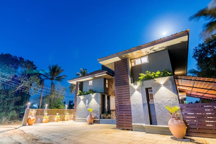 #6 Deluxe room in Boutique villa North Goa
