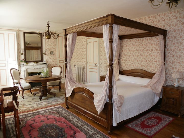 Mansard double bedroom - Romantic charm