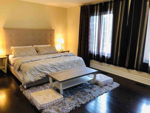 Huge Luxury Modern Bedroom!