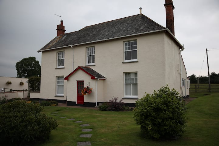 Farmhouse B&B with ensuite rooms,Cullompton,Exeter