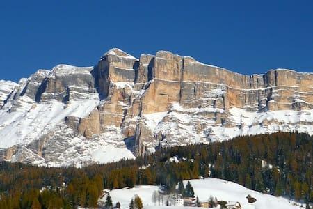 Grazioso appartamento ai piedi del Monte S. Croce - Pedraces
