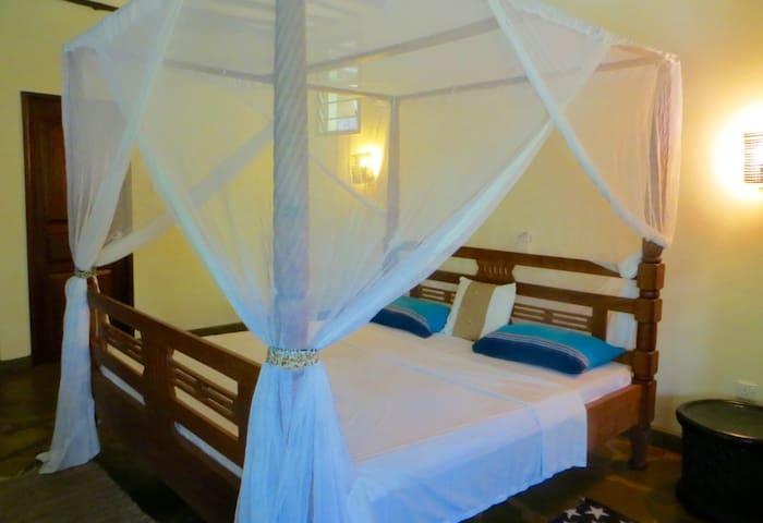 Villa Mara,ZEBRA ROOM SLEEPS 2.