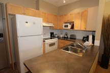 Lovely spacious kitchen with lots of counter space