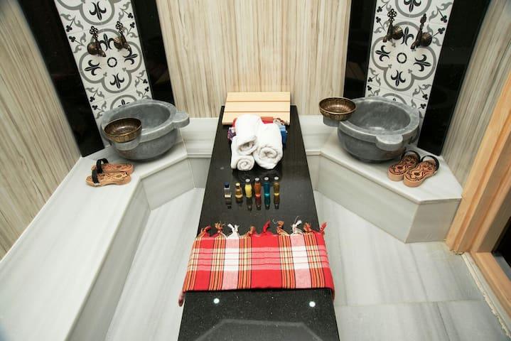 Cozy 1Bedroom Flat Garden Floor With Turkish Bath