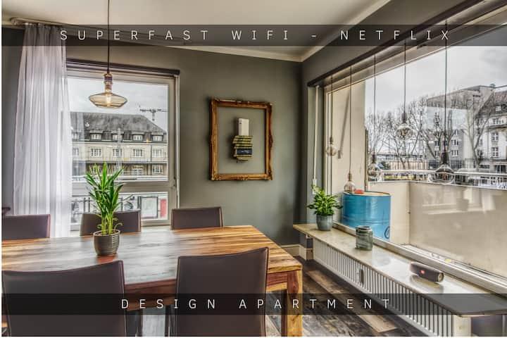1400 sqf Design Apartment - super central
