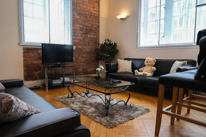 Beautiful & Homely 3 Bed Apt in Leeds City Centre