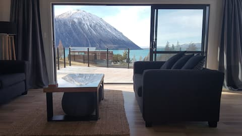 GreyStone Cedar House, Lake Ohau NZ (Open)