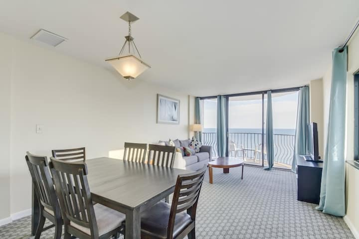 Luxury Oceanfront 3BR at Palms-Snowbird Special Rates Available!!!🕓