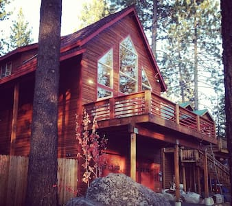 Donner Lake Getaway - minutes from Truckee - Truckee - Cabin