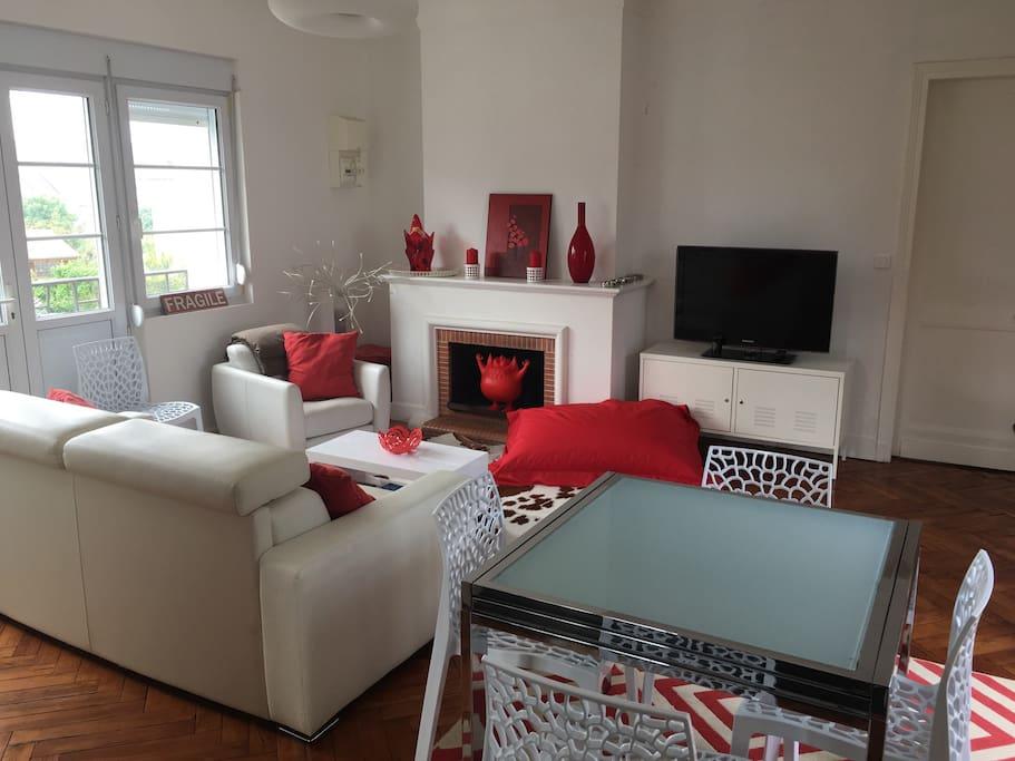 appartement avec jardin pontaillac appartements louer royan nouvelle aquitaine france. Black Bedroom Furniture Sets. Home Design Ideas
