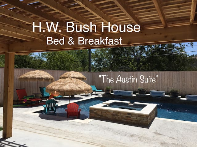 All Suites! Great A&M location!  Pool & Hot Tub! E - College Station - Bed & Breakfast