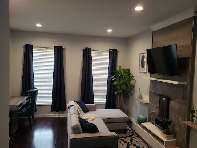 PLUSH COZY PRIVATE SUITE MINS from DOWNTWN RALEIGH