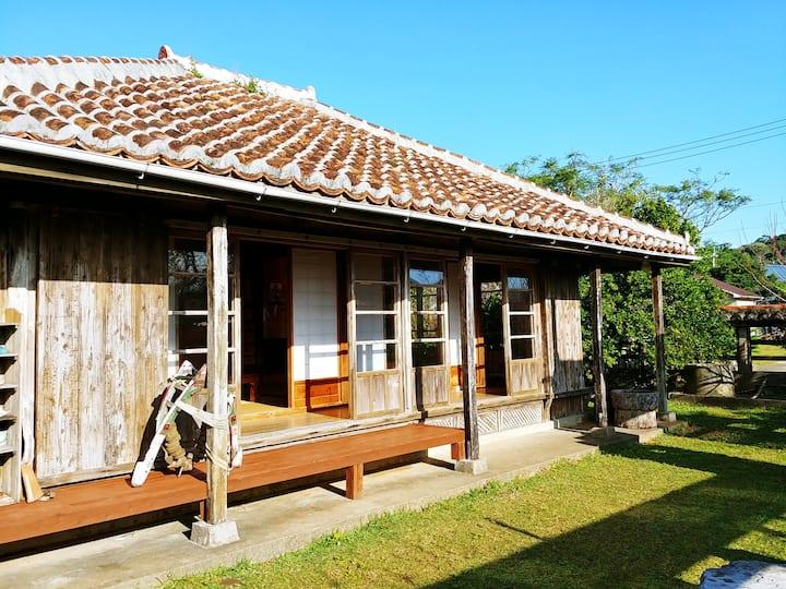 赤瓦の琉球古民家