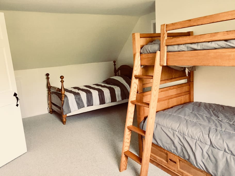 Bedroom with bunk beds - the third bed leaves less room for activities together