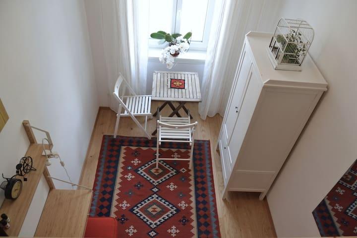 Cute and cozy apartment near Schönbrunn palace